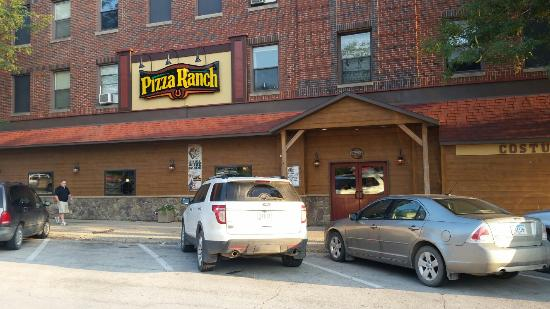 Emmetsburg, IA: Pizza Ranch