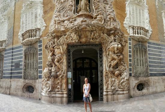 Museo Nacional De Ceramica.El Museo Nacional De Ceramica Y De Las Artes Suntuarias Gonzalez