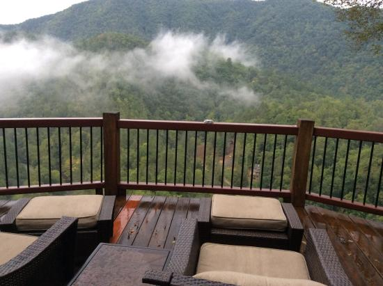 RiverDance: The view from the deck, I. The Smokey Mountains