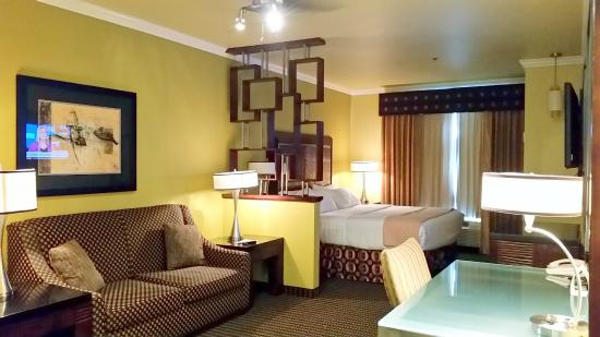 Holiday Inn Hotel & Suites McKinney - Fairview: executive suite