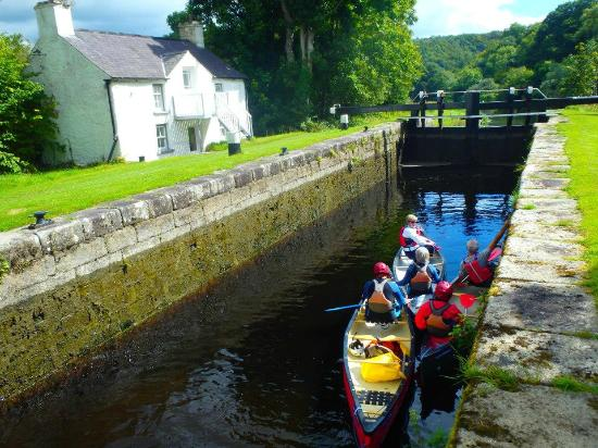 Pure Adventure Day Tours: In the lock
