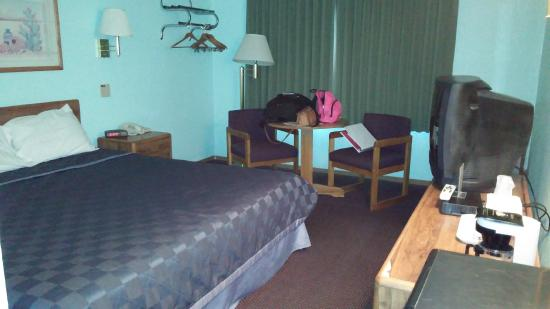Americas Best Value Inn Tucumcari: Cozy Room