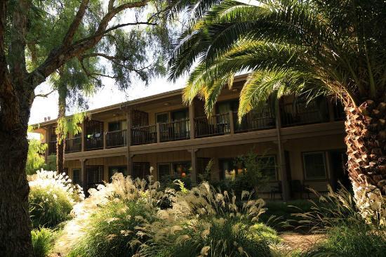 El Pueblo Inn Hotel