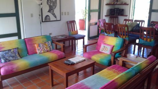 Top O' Tobago Villa & Cabanas: Main house living room