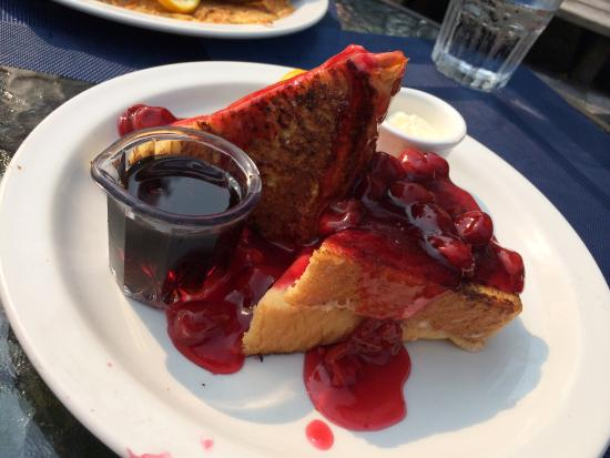 Baileys Harbor, WI: Cherry stuffed French toast