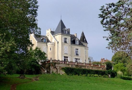 Chateau de la Villaine: Outside view