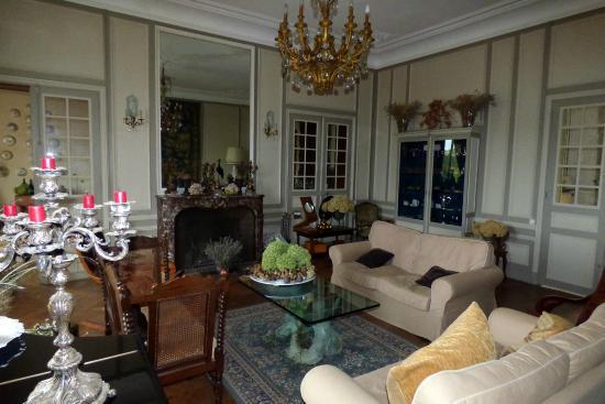 Chateau de la Villaine: Lovely sitting room