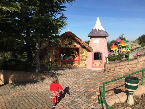 Fairy Park: Running towards a fairy tale scene...