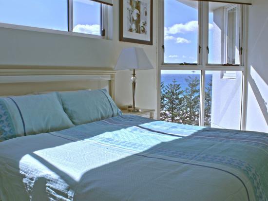 Master Bedroom Picture Of Indigo Blue Beachfront Apartments Burleigh Heads Tripadvisor