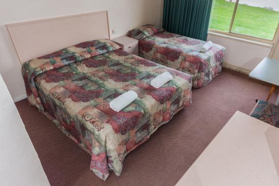 Moruya Waterfront Hotel Motel: Riverfront room