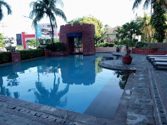 Swimming Pool Foto Aryaduta Makassar Makassar Tripadvisor