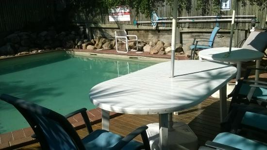 Aussie Way Backpackers Hostel: pool