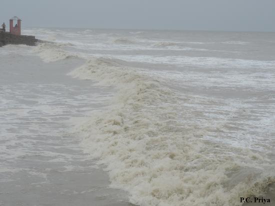 Hotel Mainak On Mandarmani Beach: Beach During High Tide...