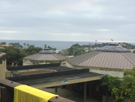 BEST WESTERN Encinitas Inn & Suites at Moonlight Beach: View from room 211, to Moonlight beach BW Encinitas, CA