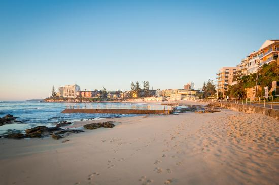 Metro Hotel Miranda: Cronulla Beach, just a short drive away