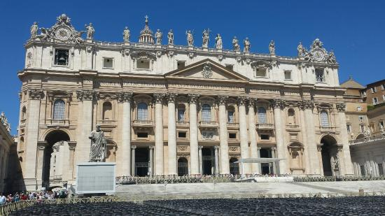 St. Peter's Square (Piazza San Pietro): A must visit