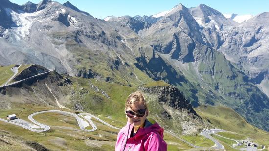 Grossglockner-Hochalpenstrasse: Road to Edellweiss with Grossglockner in the back