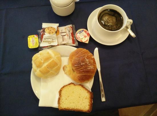 Hotel Oriente: Breakfast