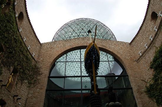 Dali Teatermuseum (Teatro-Museo Dali): Театр-музей Дали