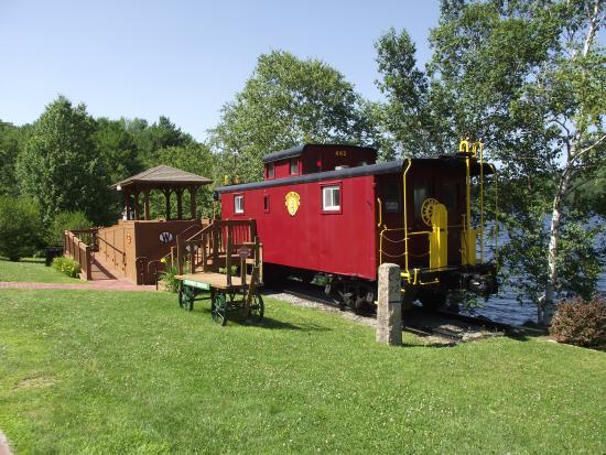 LAKE SUNAPEE - NEWBURY CABOOSE - SITE OF NEWBURY STATION