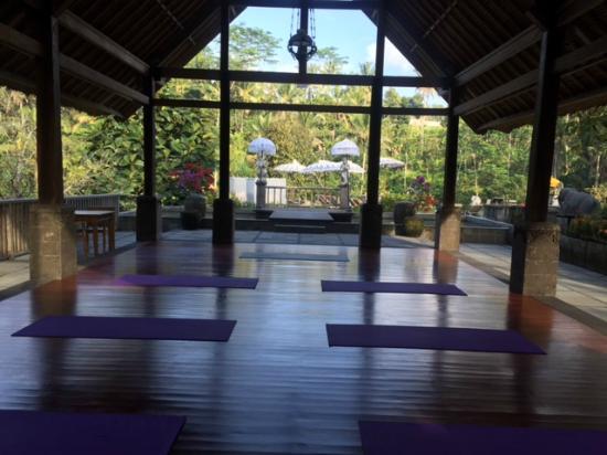 The Kayon Resort: Yoga room