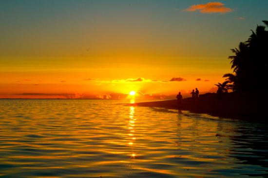 Heliconia Hideaway: Beach Sunset
