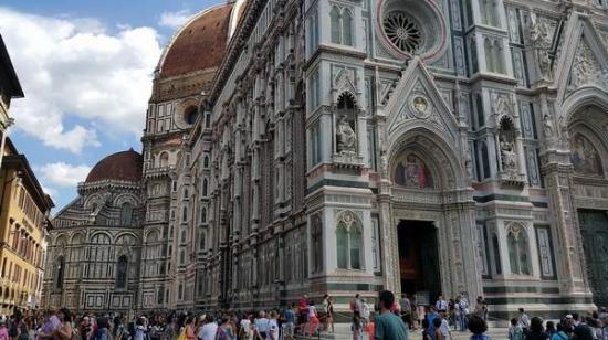 Piazza del Duomo: Belle de jour