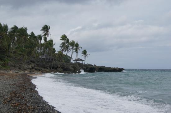 Kuting Reef: the beach