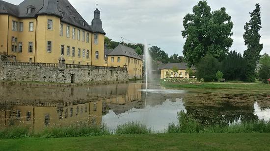 Juchen, เยอรมนี: fontana
