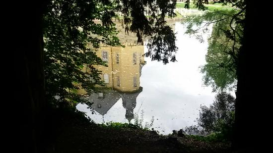 Stiftung Schloss Dyck: specchio d'acqua