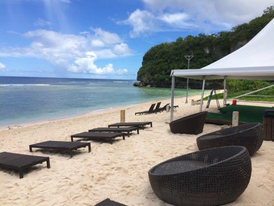 The Beach Bar & Grill Guam: The Beach