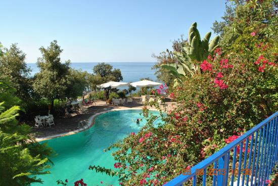 Piscina picture of grand hotel de rose scalea tripadvisor for Piscina roses