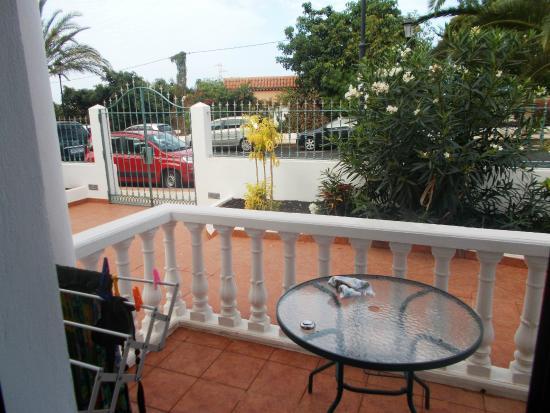 Villa Aurora Apartamentos y Pension: terrazzo