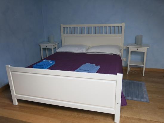 Piazzetta Consolata: La chambre bleue