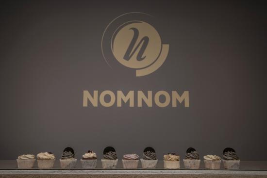 NomNom Cafe