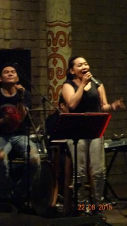 Papaya Cafe and Restaurant: Restaurant mit Live Musik