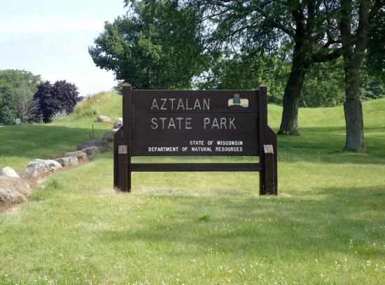 ‪‪Aztalan State Park‬: Oh Yeah ! The Sign yo.‬