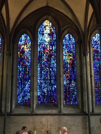 Salisbury Cathedral and Magna Carta: Beautiful stain glass