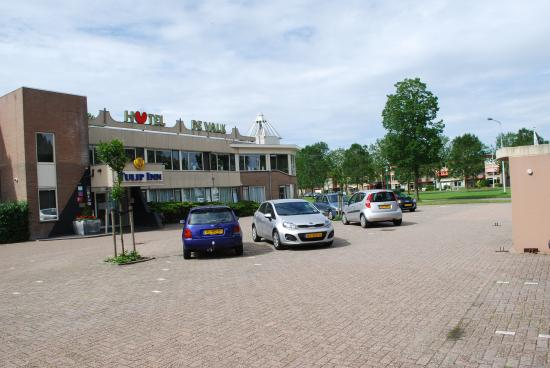 Tulip Inn Franeker: front of hotel Tulip Inn