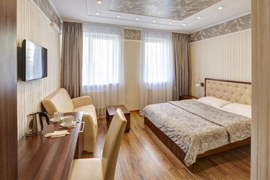 Tri Korony Hotel