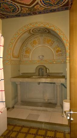 Equity Point Girona Hostel: Salle de bain
