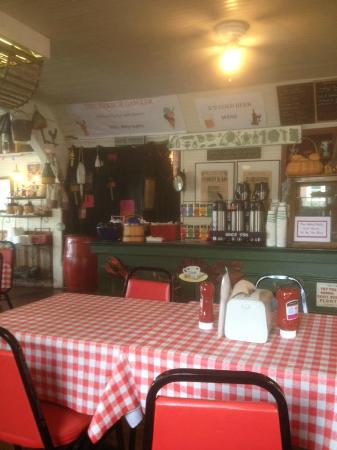 Vinalhaven, ME: Inside seating at The Harbor Gawker