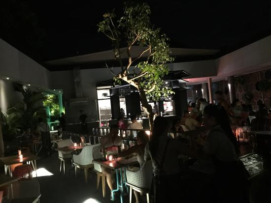 Char Char Bar & Grill: photo0.jpg
