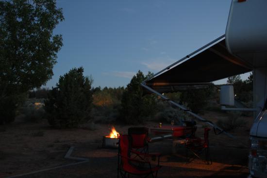 Wahweap Campground : Platz mit Feuerstelle
