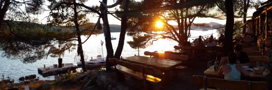 Murter Island, Κροατία: Stimmungsvoller Sonnenuntergang