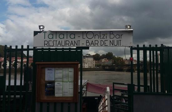 """Entrée du restaurant """"TALAIA"""""""