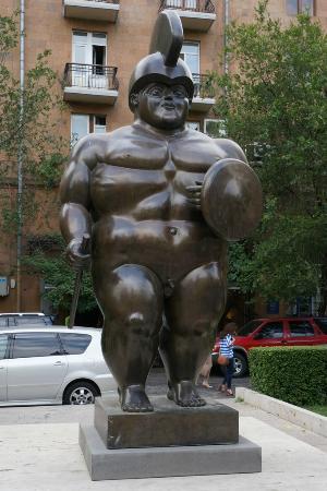 Staty med stor penis