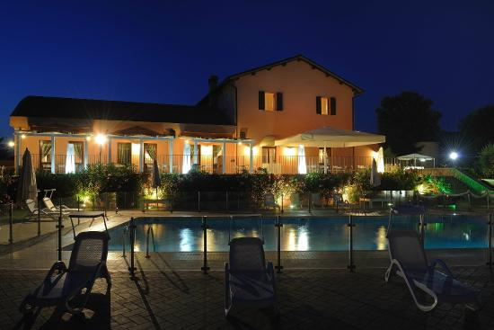Tenuta Marchesi Fezia: by night