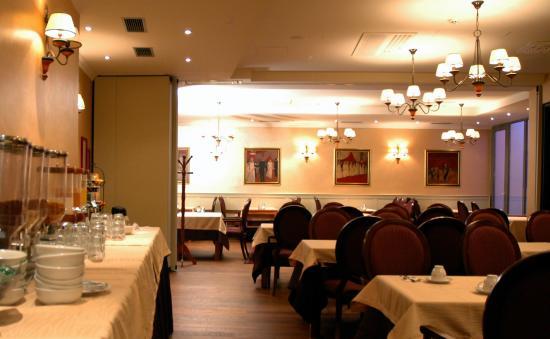 Hotel Mitra: Dinning room