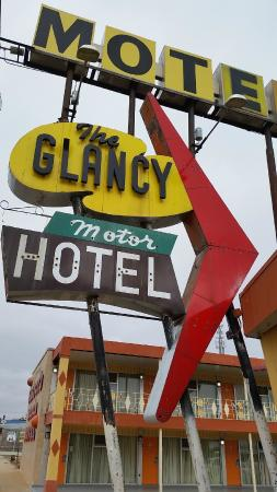 ‪Glancy Motel‬